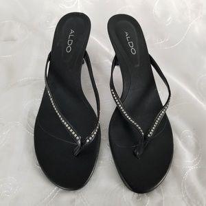 Aldo Women's Sz 10 Sandal T-Strap 2 Inch Heel Blk
